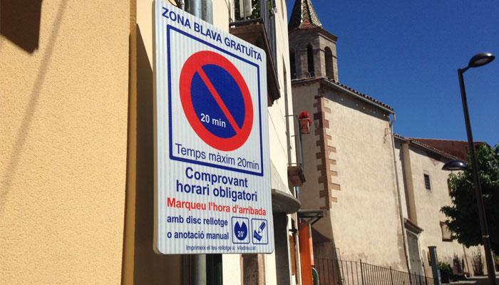 Viladrau Disc horari obligatori al carrer Pare Claret